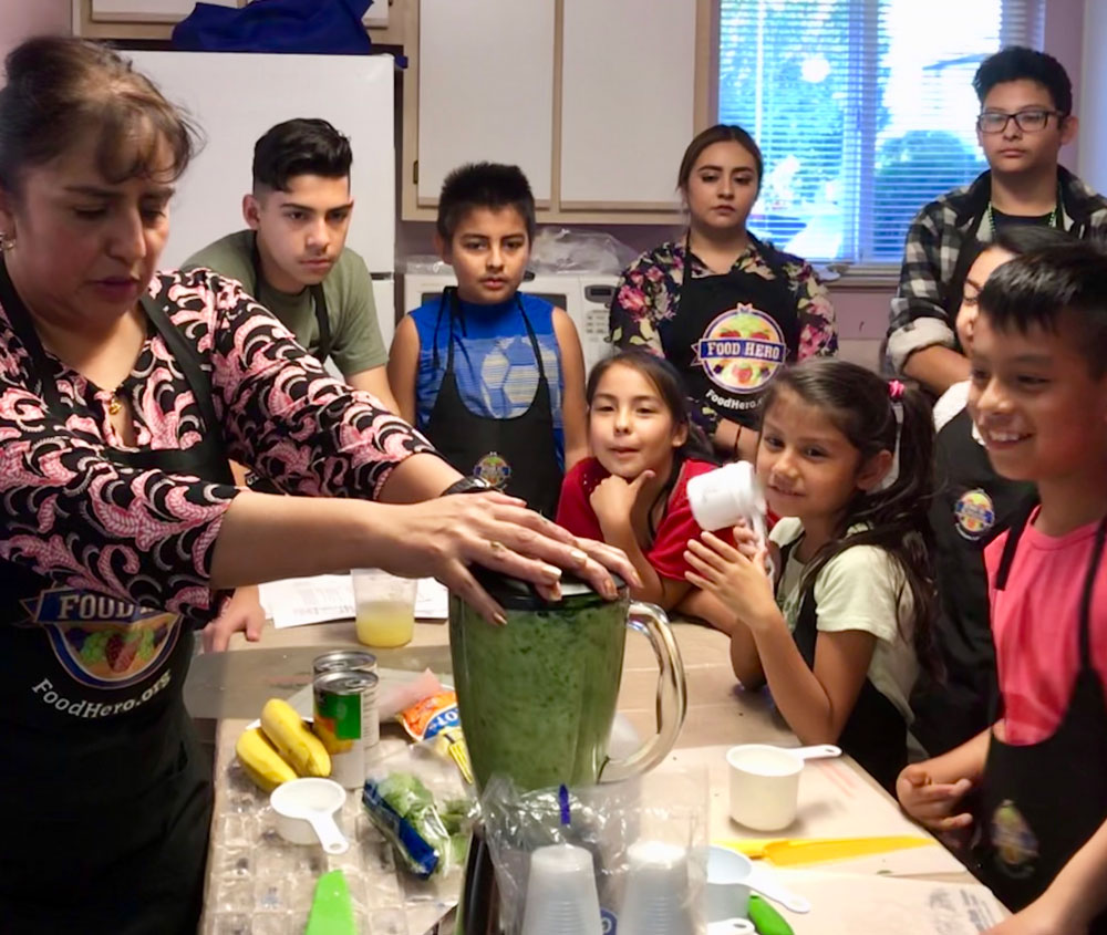 Maria Falcon teaches the Healthy Kids Club how to make a delicious and nutritious smoothie from 2018